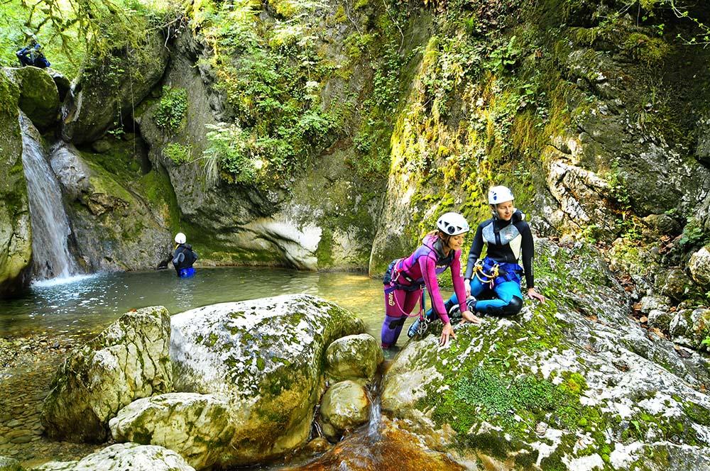 canyon du versoud équipières en discussion